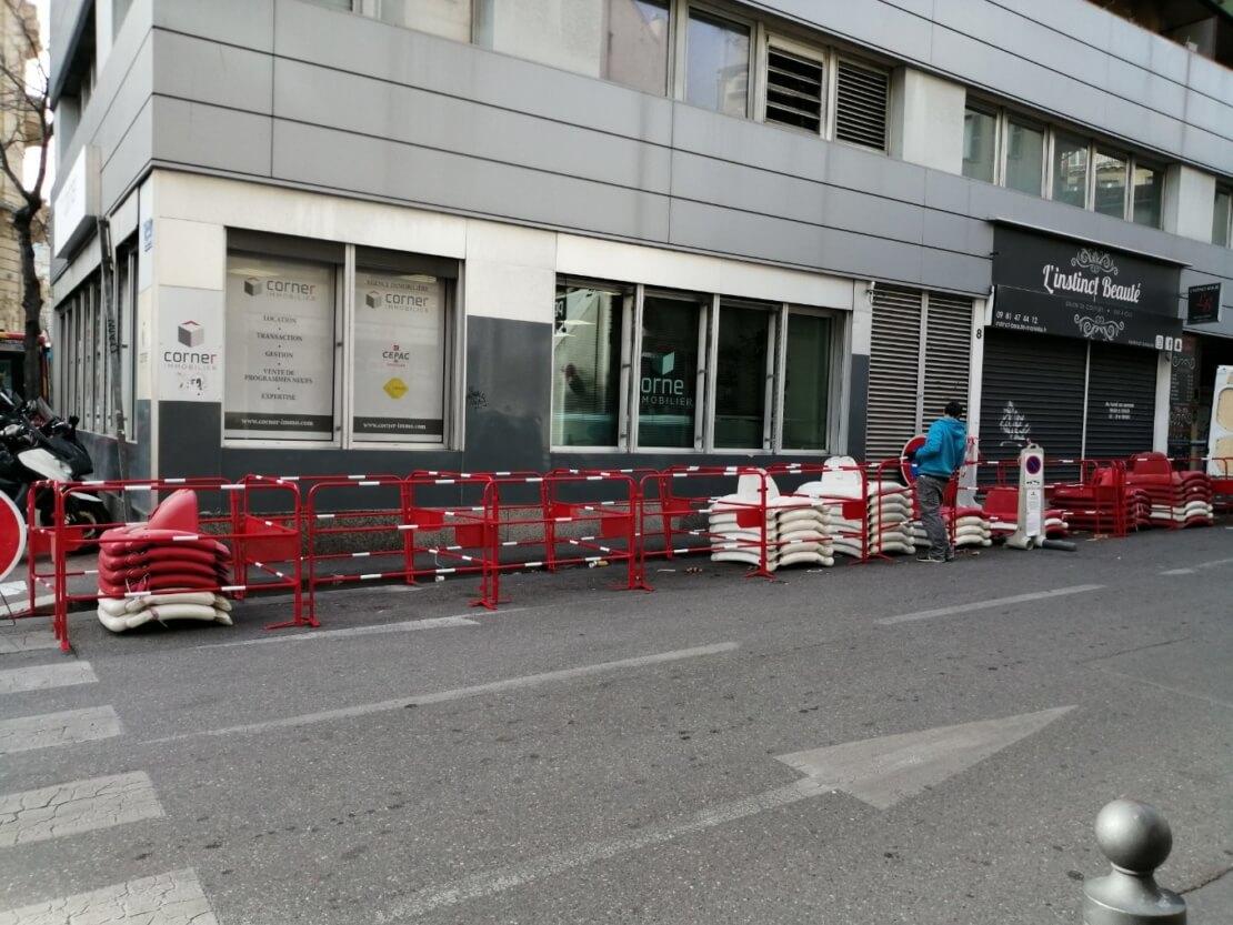 Location de barrières TP rouge et blanche